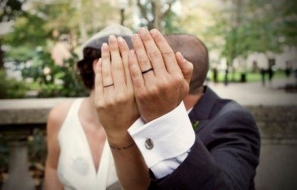 Wedding Bands On Fingers Tattoo Pictures
